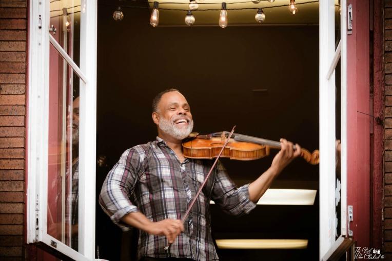 happy-fiddler-by-tgwc-chloe